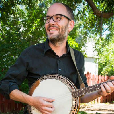 Tim Thornton playing Tenor Banjo